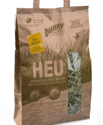 Hay from nature conservation meadows  WITH MEALWORMS 250 g  Сено от природно-защитени територии  с брашнени червеи 250 г